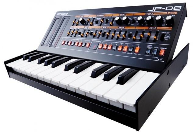 roland-jp-08-keyboard-e1442874943600-640x439